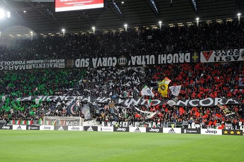 """إيطاليا تستعد """"لإعادة فتح الملاعب الرياضية تدريجيا"""" أمام الجماهير"""