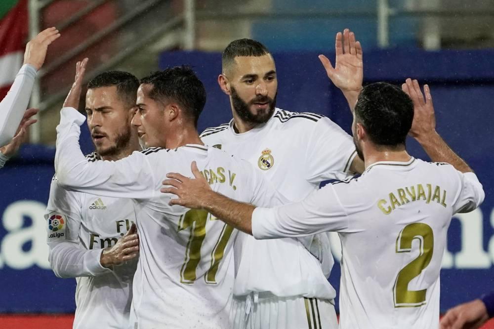 ريال مدريد يكتسح إيبار برياعية نظيفة ويتصدر الدوري الإسباني