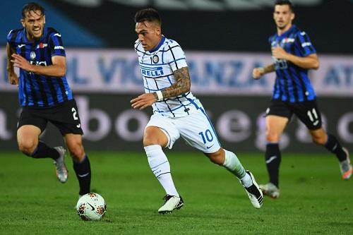 إنتر ميلان يهزم أتالانتا وينهي الدوري الإيطالي وصيفا