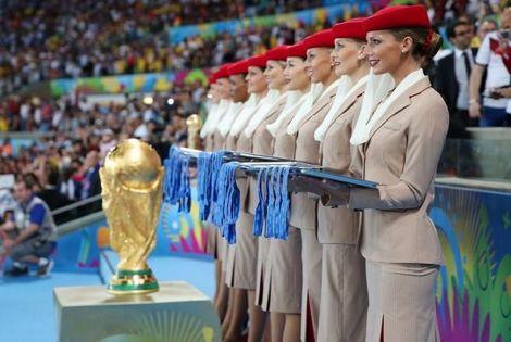 السياسة تصل للرياضة.. طيران الإمارات تنسحب من رعاية مونديال قطر