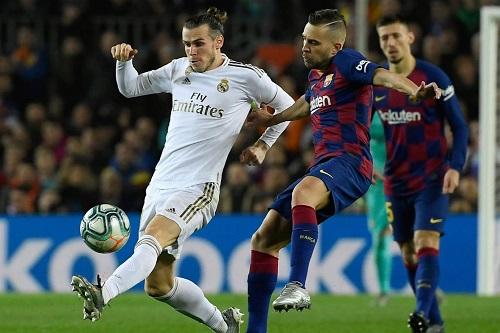 الاتحاد الإسباني سيسمح بإقامة مباريات الليغا أيام الاثنين والجمعة لإنهاء الموسم