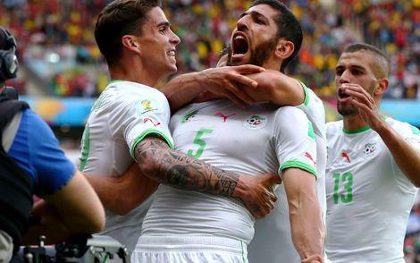 الجزائر تنهي الشوط الأول بثلاثية في مرمى كوريا