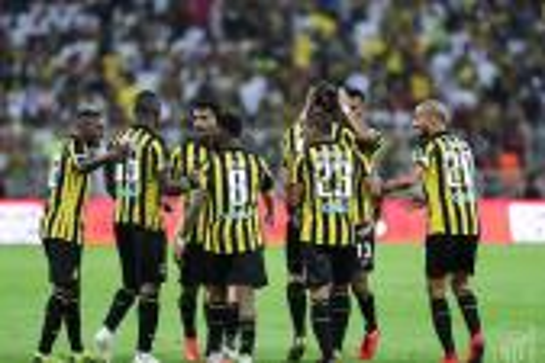 حمد الله يسجل هدفين ويسقط أمام الأحمدي وداكوسطا في نصف نهائي الكأس