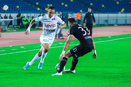 إخضاع لاعبي المغرب التطواني للحجر الصحي وتأجيل مباراة الرجاء