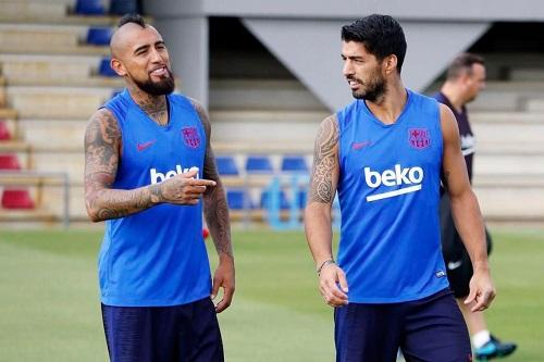 كومان يستبعد سواريز وفيدال من كأس غامبر