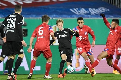 هولشتاين يفجر المفاجأة ويجرّد بايرن ميونيخ من لقب كأس ألمانيا