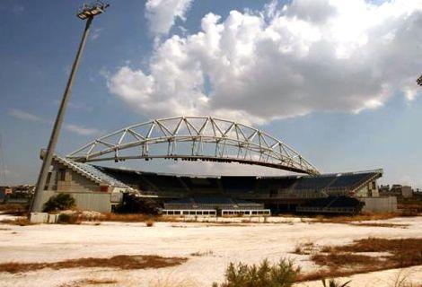 أزمة اليونان الاقتصادية تحول ملعب أولمبياد أثينا إلى خراب مهجور