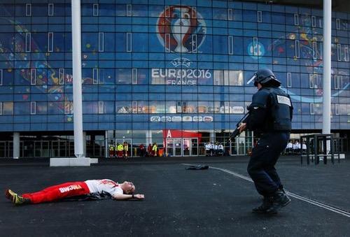 الإنتربول يدفع بفريق متخصص لتأمين بطولة كاس أمم أوروبا في فرنسا