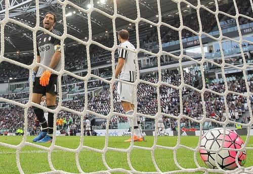 """المخضرم بوفون لا يزال الورقة الرابحة الرئيسية لـ""""لآزوري"""" في يورو 2016"""