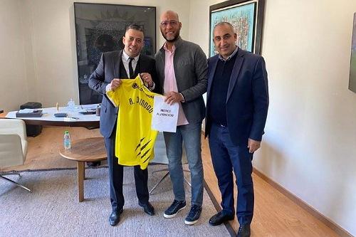 المغرب الفاسي يوجه رسالة شكر للمدرب جريندو