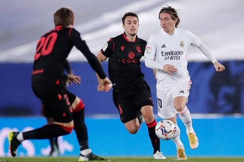 ريال مدريد يقتنص تعادلا صعبا في آخر الأنفاس أمام سوسيداد بالدوري الإسباني