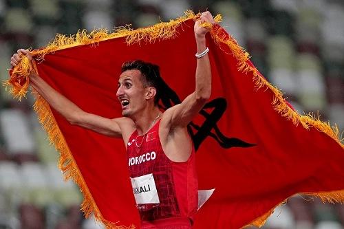 البقالي بعد التتويج بالذهب الأولمبي: أهدي الفوز لجلالة الملك والشعب المغربي وعائلتي الصغيرة