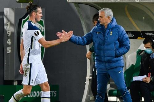 مورينيو عن سبب تراجع مستوى بيل سابقا: اسألوا ريال مدريد