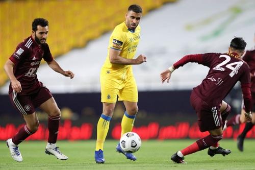 حمد الله مهدد بعقوبة جديدة بعد شكاية من لاعب الفيصلي السعودي