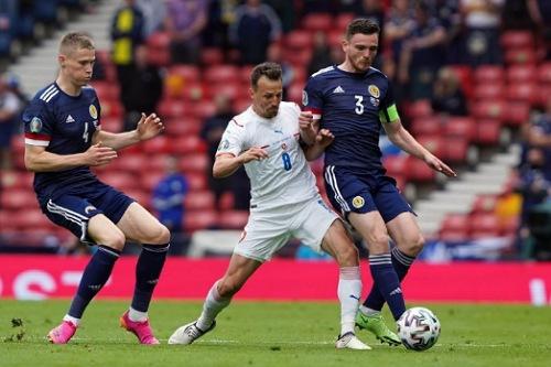 التشيك تتغلب على اسكتلندا في أول مباراة لها في أمم أوروبا