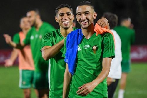 """ما موقف الدوليين المغاربة من تهديدات المنع من اللعب لـ""""أسود الأطلس""""؟"""