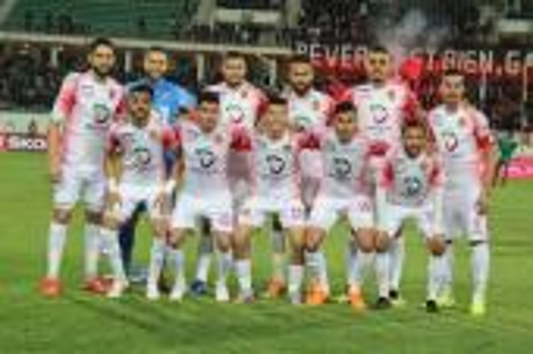 """الحسنية يعود بتعادل إيجابي أمام الاتحاد الليبي في كأس """"الكاف"""""""