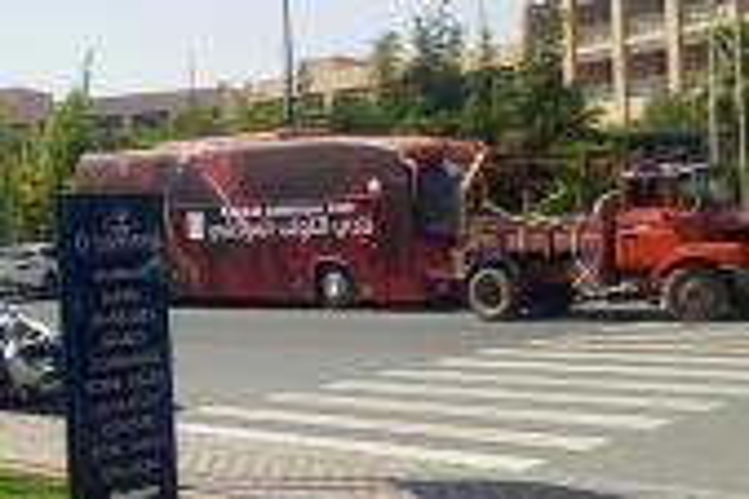 بيع حافلة الكوكب المراكشي في المزاد العلني