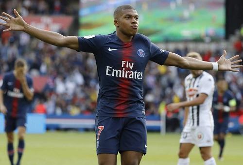 """""""عنف"""" مبابي يقوده للتوقيف لثلاث مباريات من قبل لجنة انضباط رابطة الدوري الفرنسي"""