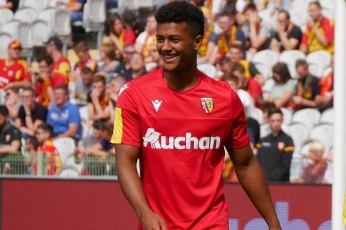 دعوة رسمية من فرنسا لمنع الجامعة من خطف لاعب جديد