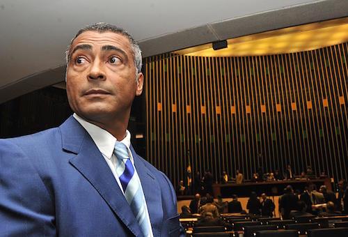 القضاء البرازيلي يلاحق روماريو