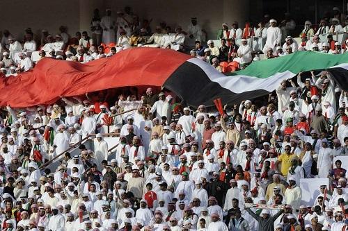 """دبي تدرس السماح للجمهور بالعودة إلى الملاعب """"وفق ضوابط"""""""