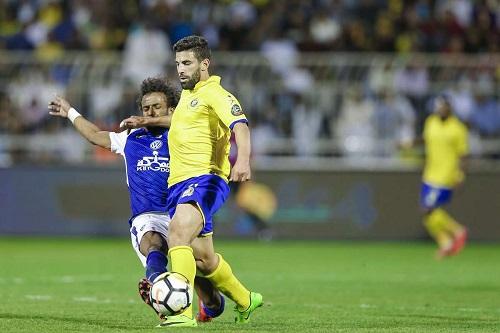 """""""الفيفا"""" يصدم النصر السعودي في خلافه مع المغربي فوزير"""