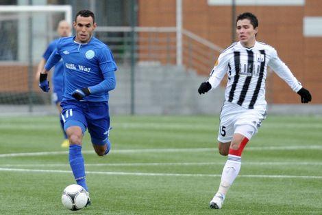 بنواهي: لعبتُ لأذربيجان بعدما لم أجد مكاني بالمنتخب المغربي