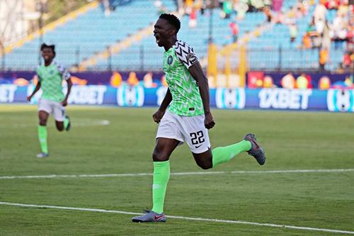 """المنتخب النيجيري أول المتأهلين للدور الثاني في """"الكان"""" بفوز ثمين على غينيا"""