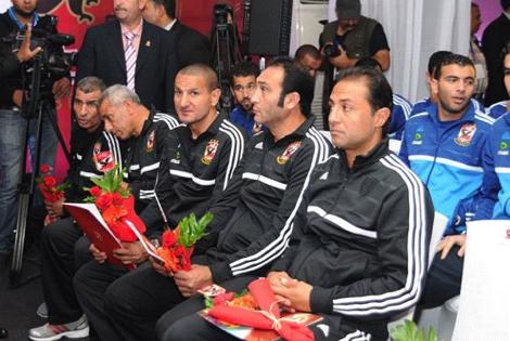 بعثة الأهلي تشيد بالأجواء في المغرب وتتأسف لحال الكرة المغربية