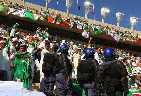 الكاف يوجّه إنذاراً شديد اللهجة للاتحاد الجزائري بسبب الشغَب