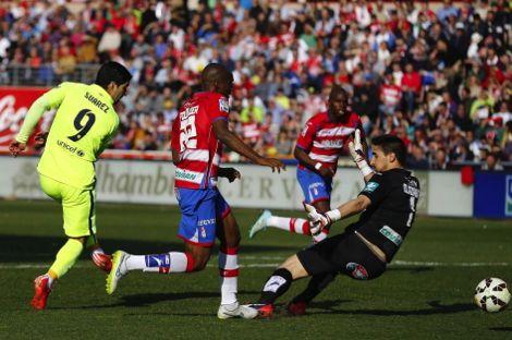 برشلونة يفوز على غرناطة بأقل مجهود وينتظر تعثر الريال