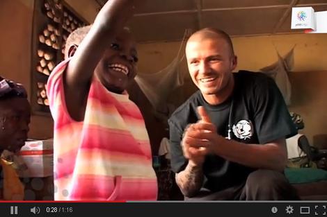 بيكهام يتحدى إيبولا في سيراليون
