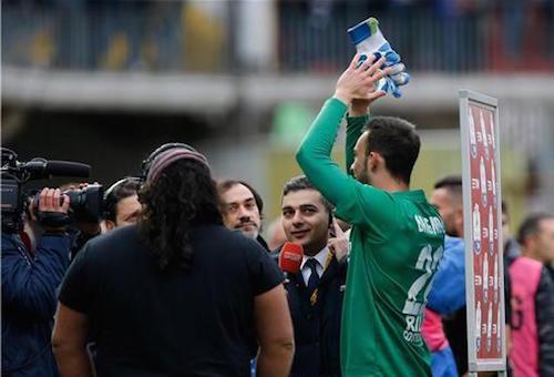 حارس بينفينتو يدخل تاريخ الدوري الإيطالي
