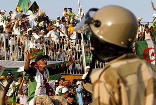 بسبب الشغب.. حرمان مولودية واتحاد الجزائر من جمهورهما في مباراة واحدة
