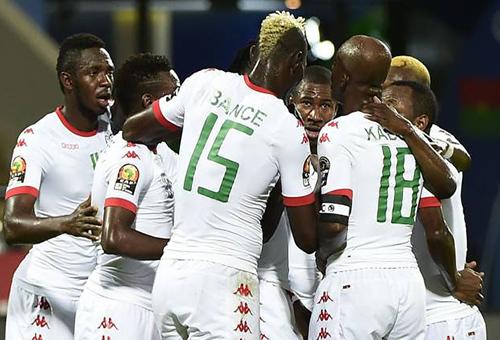 بوركينا فاسو تعبر غينيا بيساو بثنائية وتصعد لدور الثمانية بأمم إفريقيا