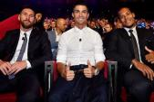 عالم كرة القدم يترقب حفل الاتحاد الدولي لجوائز الأفضل