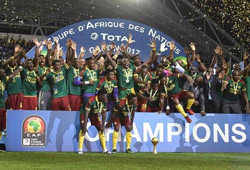 الكاميروني باسوغوغ أفضل لاعب.. والحضري أفضل حارس في كأس إفريقيا