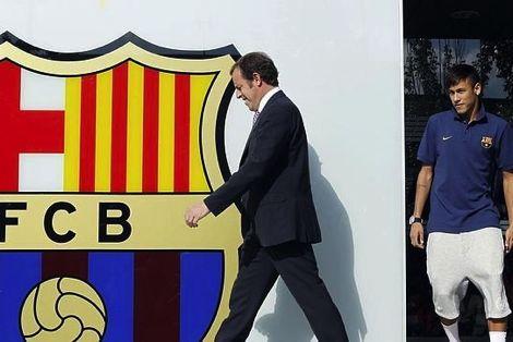 ساندرو روسيل يقدم استقالته من رئاسة نادي برشلونة