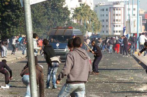 الجامعة تتجه لمعاقبة حسنية أكادير بسبب أحداث شغب مباراة الكوكب