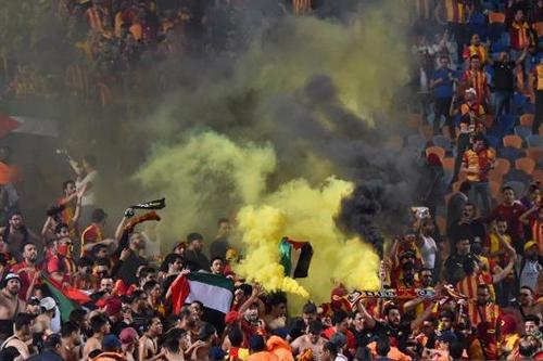 الإفراج عن موقوفين من أنصار الترجي بمصر