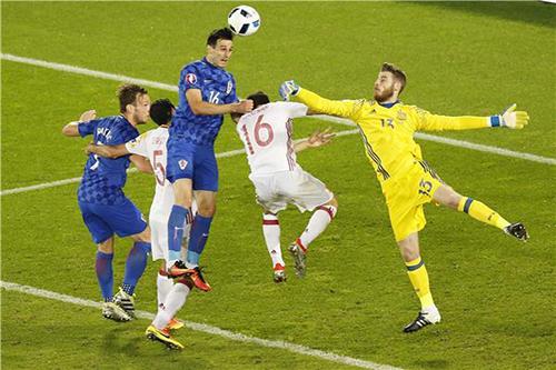 الإصابة تبعد مهاجم كرواتيا عن مباراتي أيسلندا وأيرلندا الشمالية