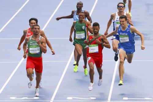 الجزائري مخلوفي يتقدم في منافسات ألعاب القوى