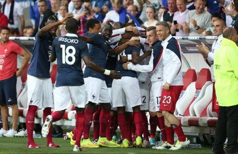 فرنسا تكتسح جامايكا بثمانية أهداف قبل المونديال