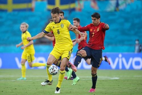 إسبانيا تهدر فوزا غاليا على المنتخب السويدي في كأس أوروبا للأمم