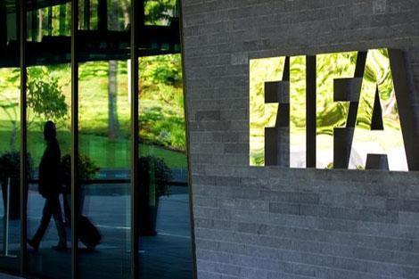 كونميبول يدعم إنفانتينو في سباق رئاسة الفيفا