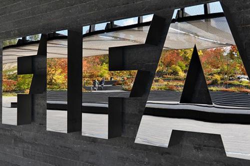 """""""فيفا"""" يفرض عقوبة الإيقاف على ثلاثة من مسؤولي كونميبول بسبب الرشوة"""