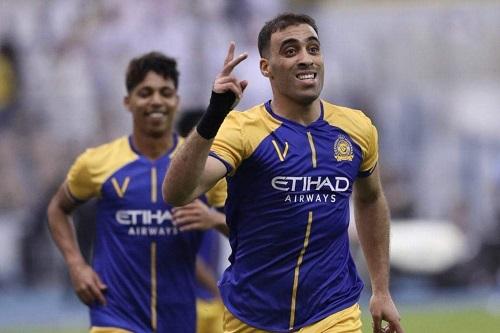 حمد الله يتفاعل مع إعلان استئناف منافسات الدوري السعودي