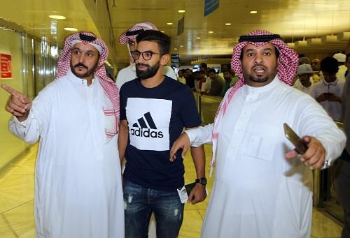"""فوزير يُودع نادي """"النصر"""" السعودي ويُوقع لاتحاد طنجة على سبيل الإعارة"""