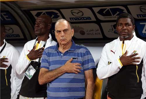 مدرب غانا يشيد بلاعبيه رغم الخسارة.. والإصابة تهدد جيان